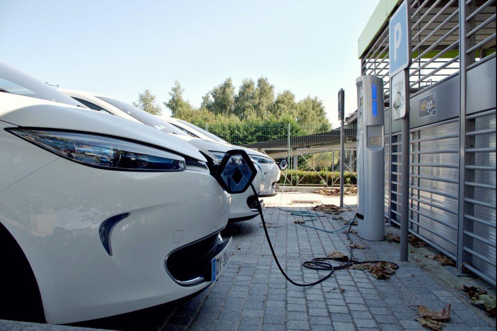 Borne voiture électrique