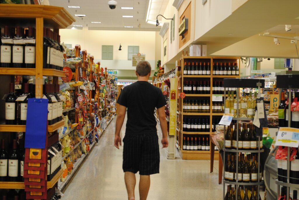 Rayon vin dans un supermarché